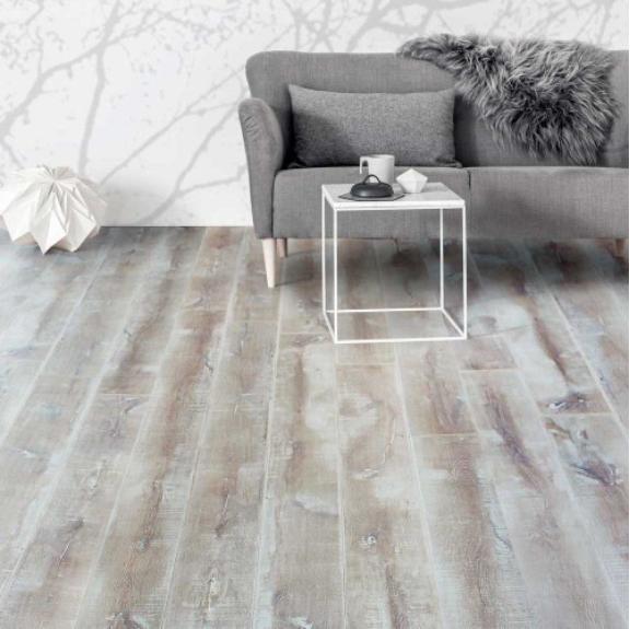sol stratifie grande longueur de lame montpellier p18 parqueteur sur montpellier histoire. Black Bedroom Furniture Sets. Home Design Ideas